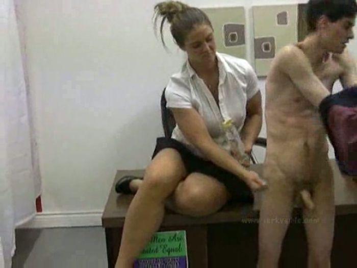 Порно Видео Одетые Девушки Дрочат Парням Русское
